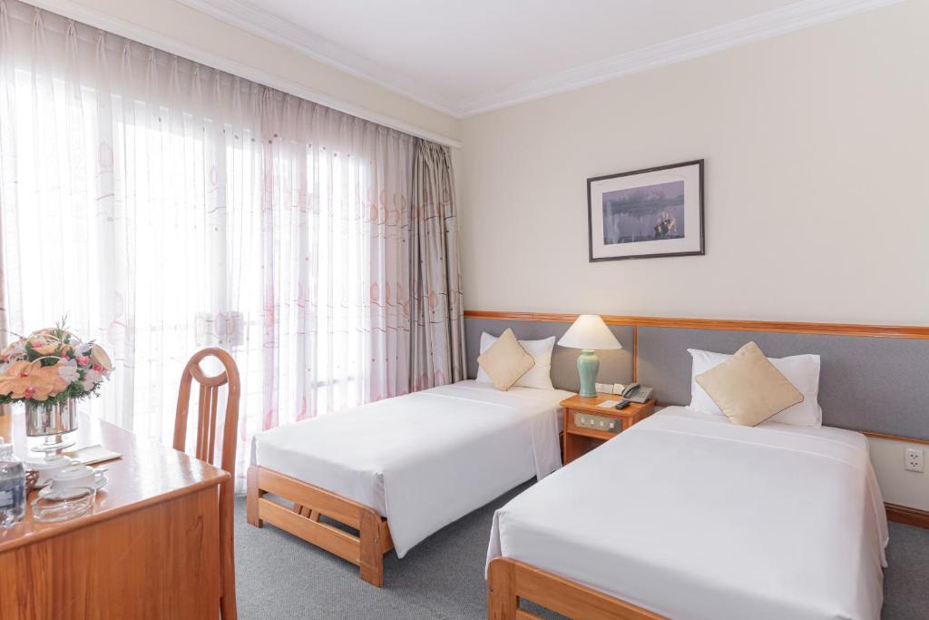 Phòng Deluxe Nhìn ra Thành phố có 2 Giường Đơn