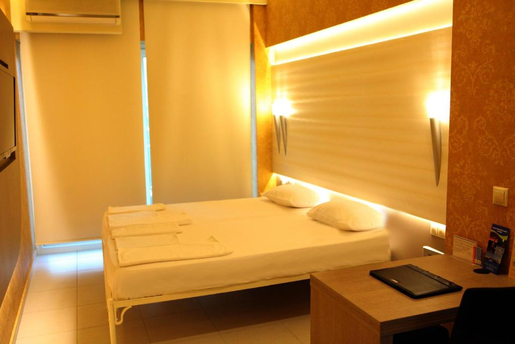 Oneiro Suites