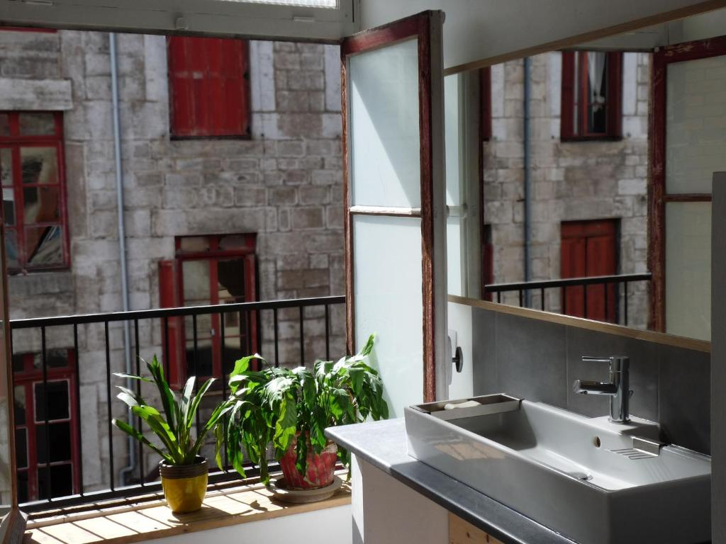chambres d 39 h tes belle toile saint tienne online. Black Bedroom Furniture Sets. Home Design Ideas