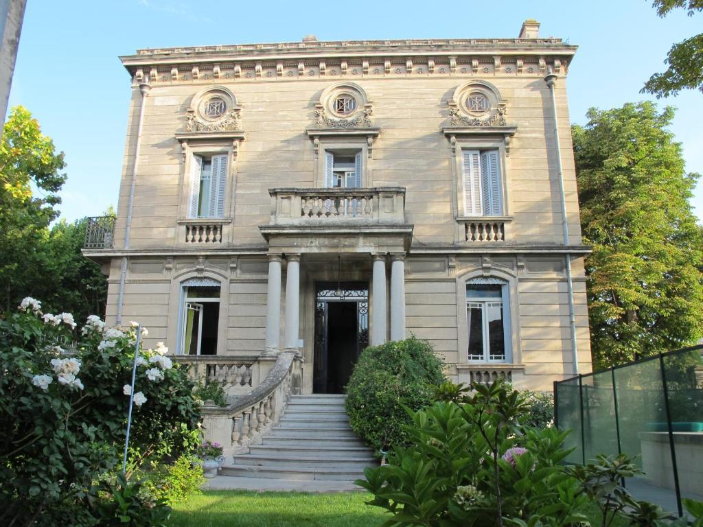 La maison de sophie n mes book your hotel with viamichelin for Constructeur de maison nimes