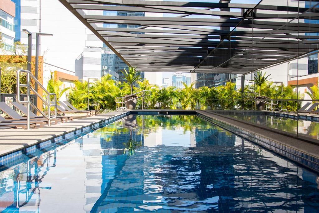 A piscina localizada em Nun Apartments by BnbHost ou nos arredores