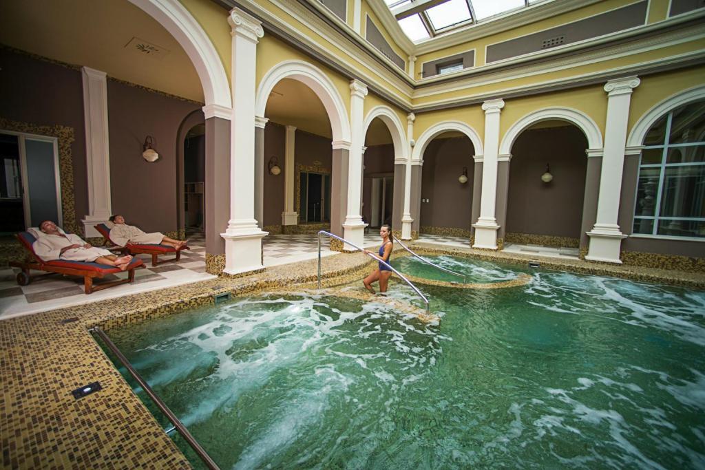 Alberghi San Giuliano Terme - prenotazione albergo - ViaMichelin