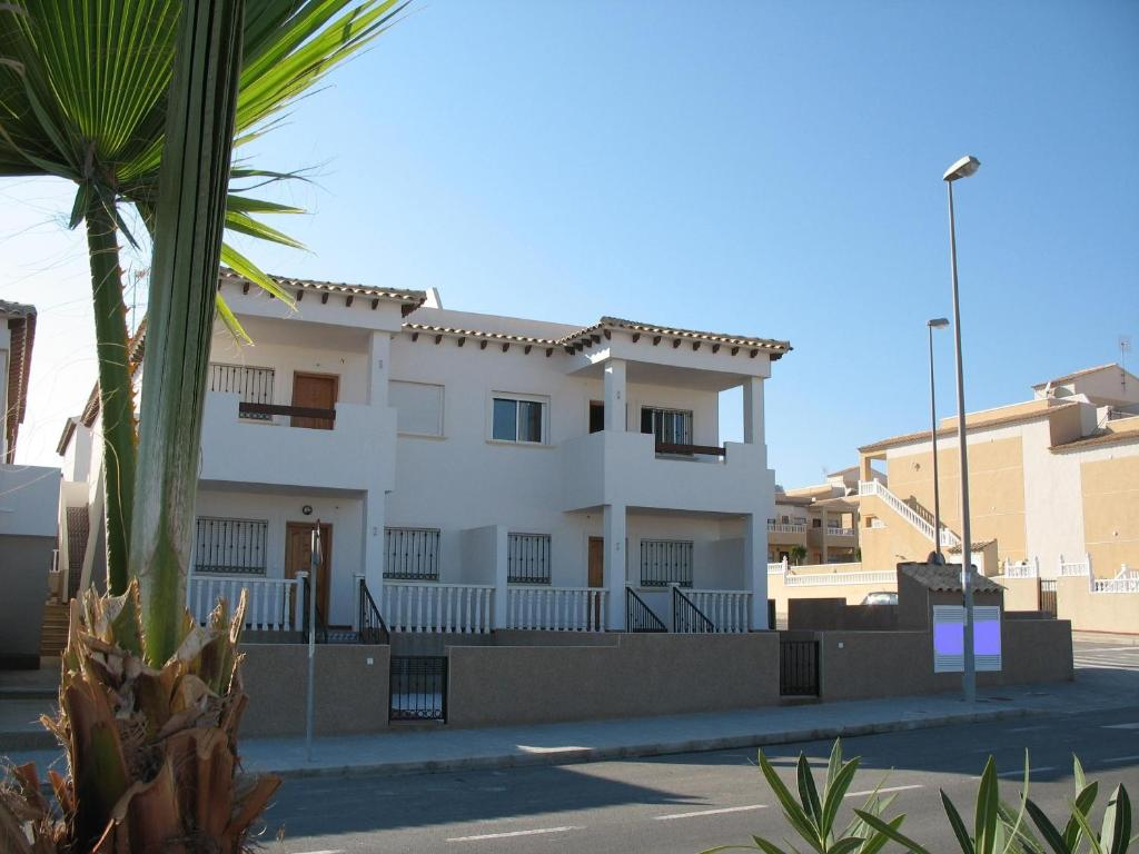 torrevieja chat rooms Buy a property in torrevieja, we have real estate for sale in torrevieja, costa blanca, spain – look at our site first, before you buy a house in torrevieja, costa blanca.