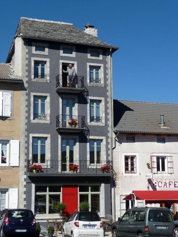La drapi re le chambon sur lignon book your hotel with viamichelin - Chambre d hote chambon sur lignon ...