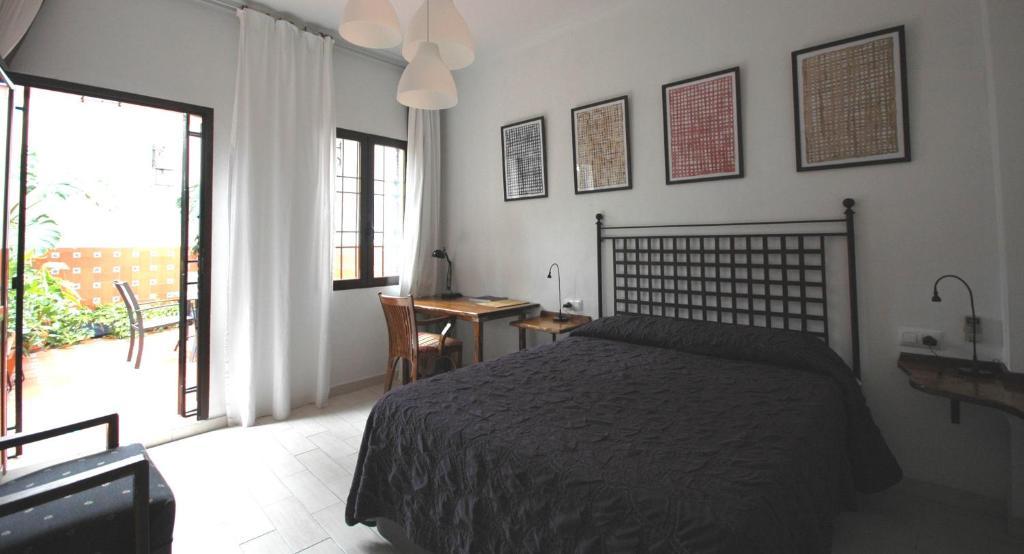 Hotel casa de los azulejos c rdoba reserva tu hotel con for Hotel casa cordoba