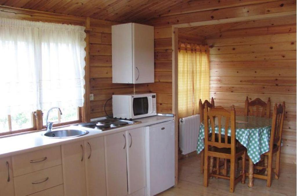 Caba as de cab rceno el astillero reserva tu hotel con for Habitaciones familiares santander