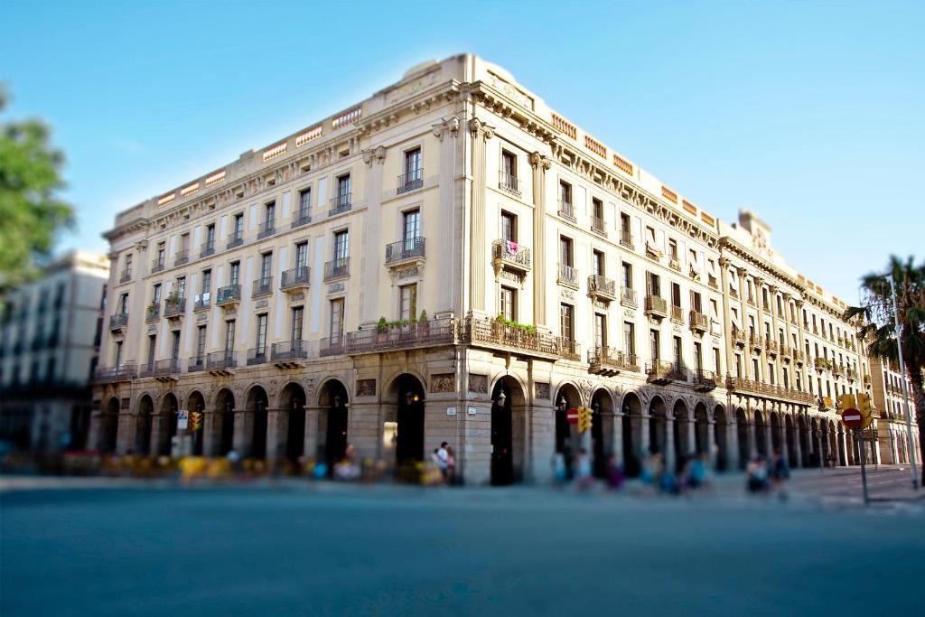 Som nit born barcellona prenotazione on line viamichelin for Prenotare hotel barcellona
