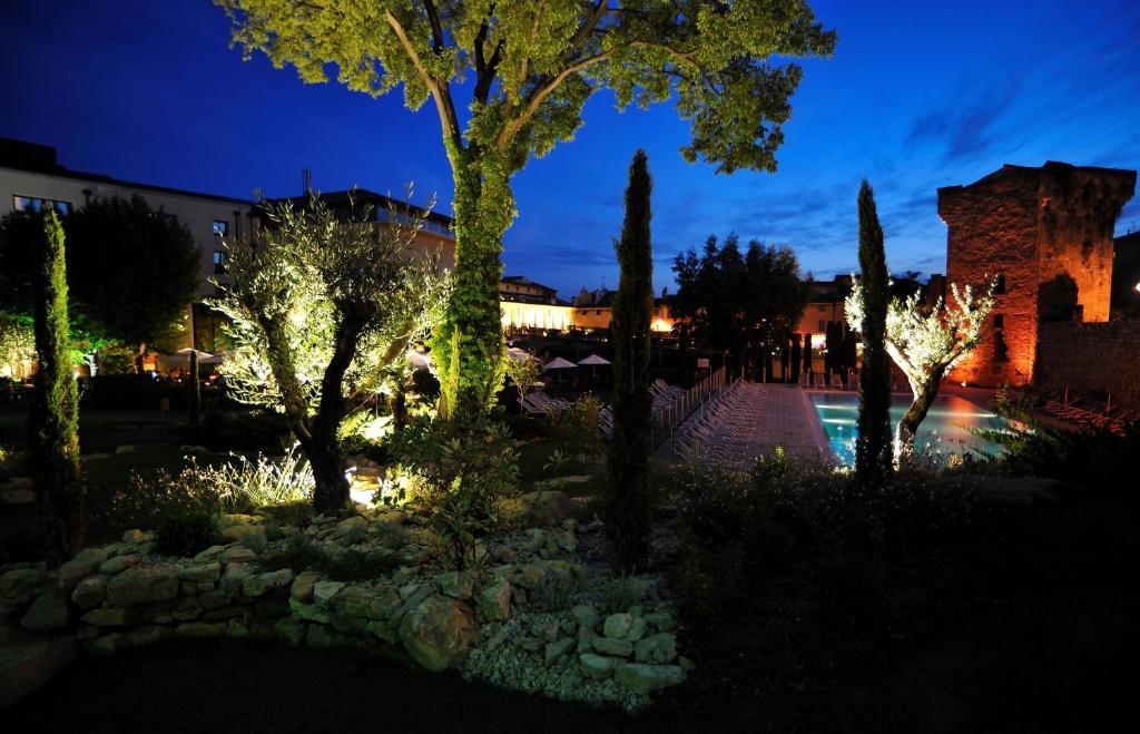 Hotel Aquabella Aix Parking