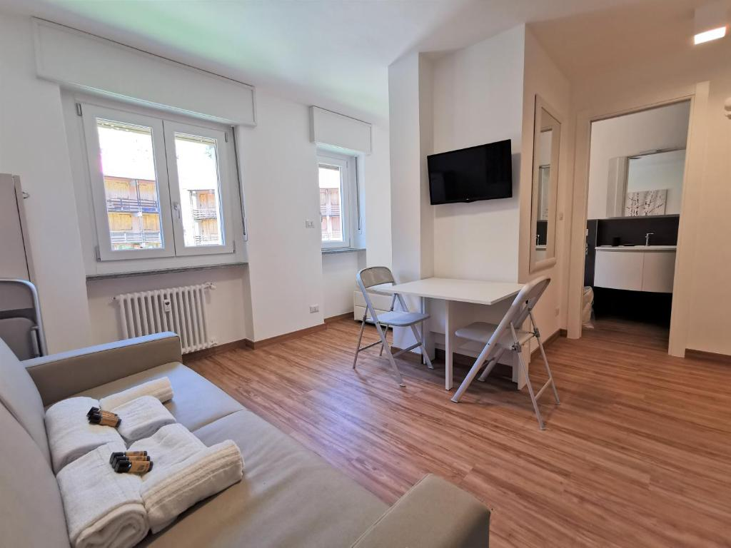 Hostdomus - Smart Tech Apartment (Italia Borgata Sestriere ...