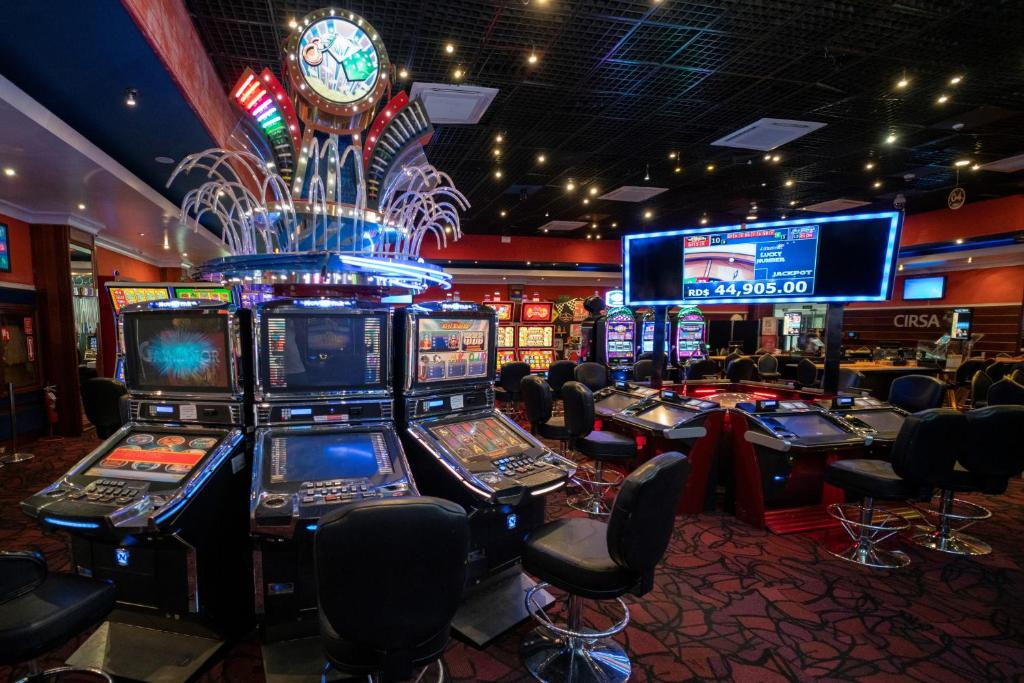 Un casino en el hotel o alrededores