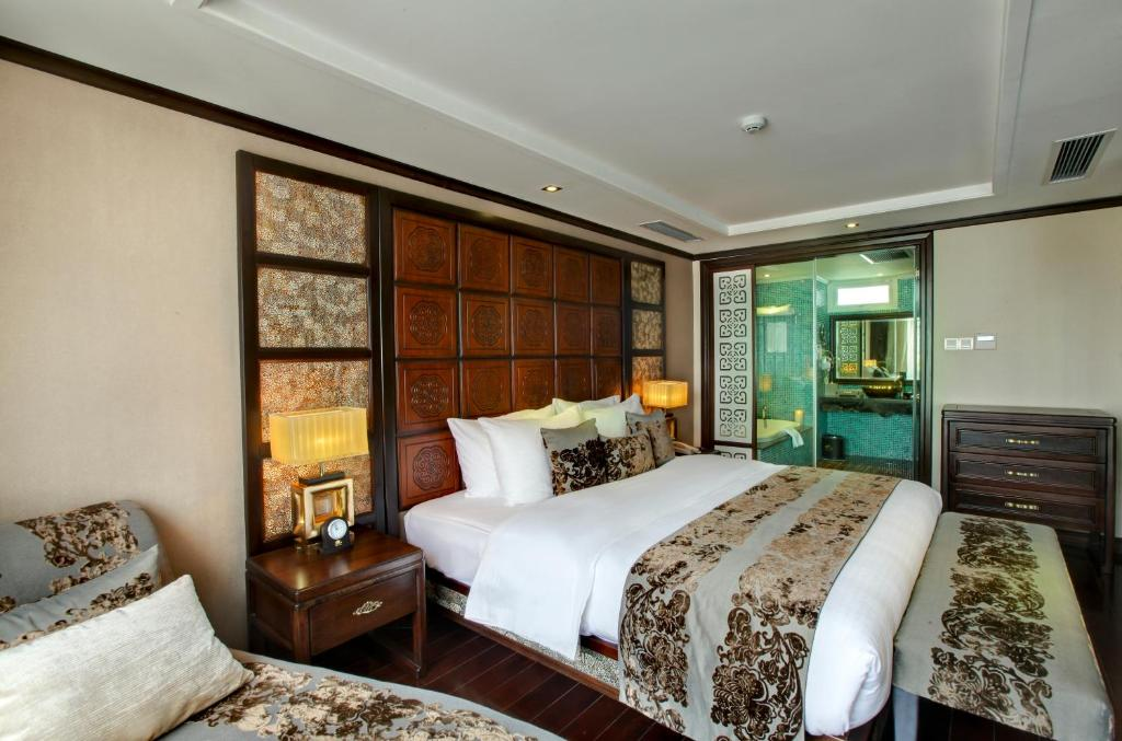 Suite Luxury có Phòng Sinh hoạt và Ghế sofa