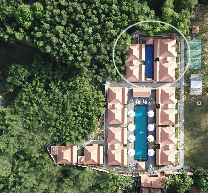 Biệt thự 4 Phòng ngủ có Hồ bơi