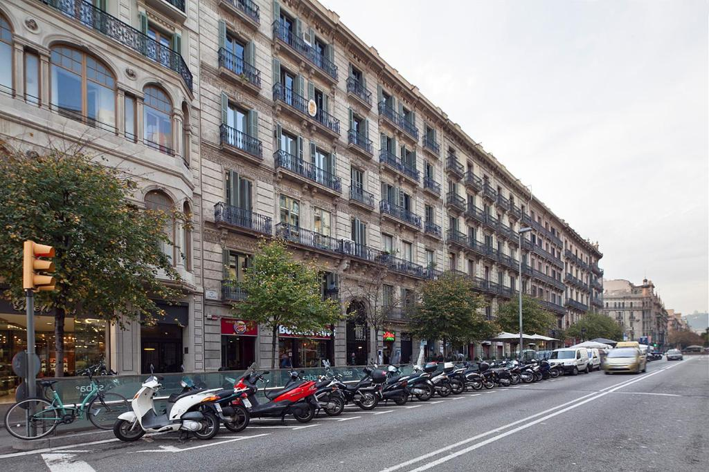 Plaza catalunya guest house chambres d 39 h tes barcelone - Barcelone chambre d hote ...