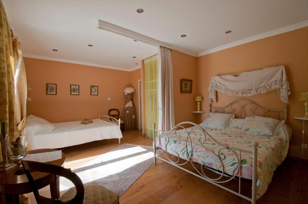 Chambres d 39 h tes domaine esperou chambres d 39 h tes saint denis - Chambres d hotes saint aignan ...