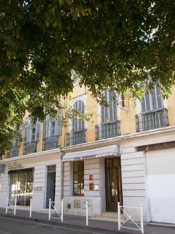 H tel bonaparte toulon online booking viamichelin for Hotels toulon