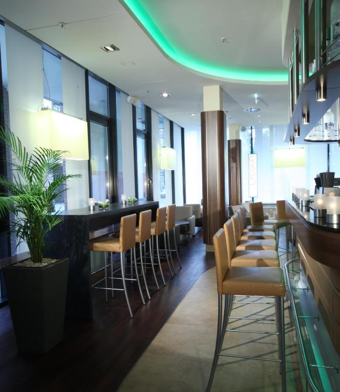 lindner hotel am michel hamburg book your hotel with viamichelin. Black Bedroom Furniture Sets. Home Design Ideas