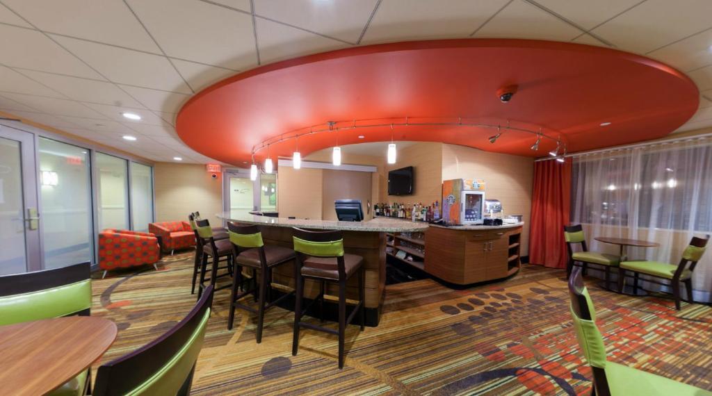 radisson plaza hotel at kalamazoo center kalamazoo. Black Bedroom Furniture Sets. Home Design Ideas