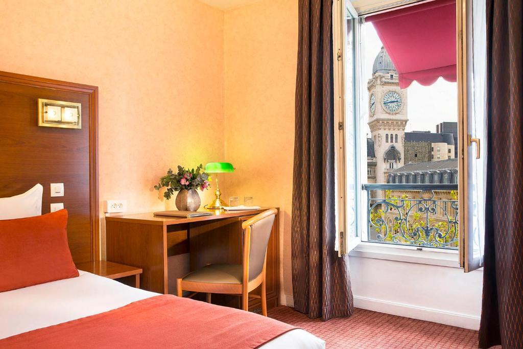 Hotel Boulevard Diderot Paris