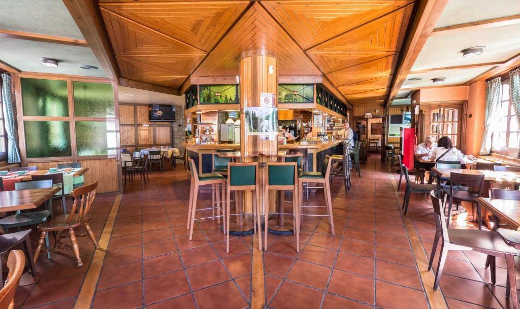 Hotel arag ells benasque reserva tu hotel con viamichelin for Hotel avenida benasque