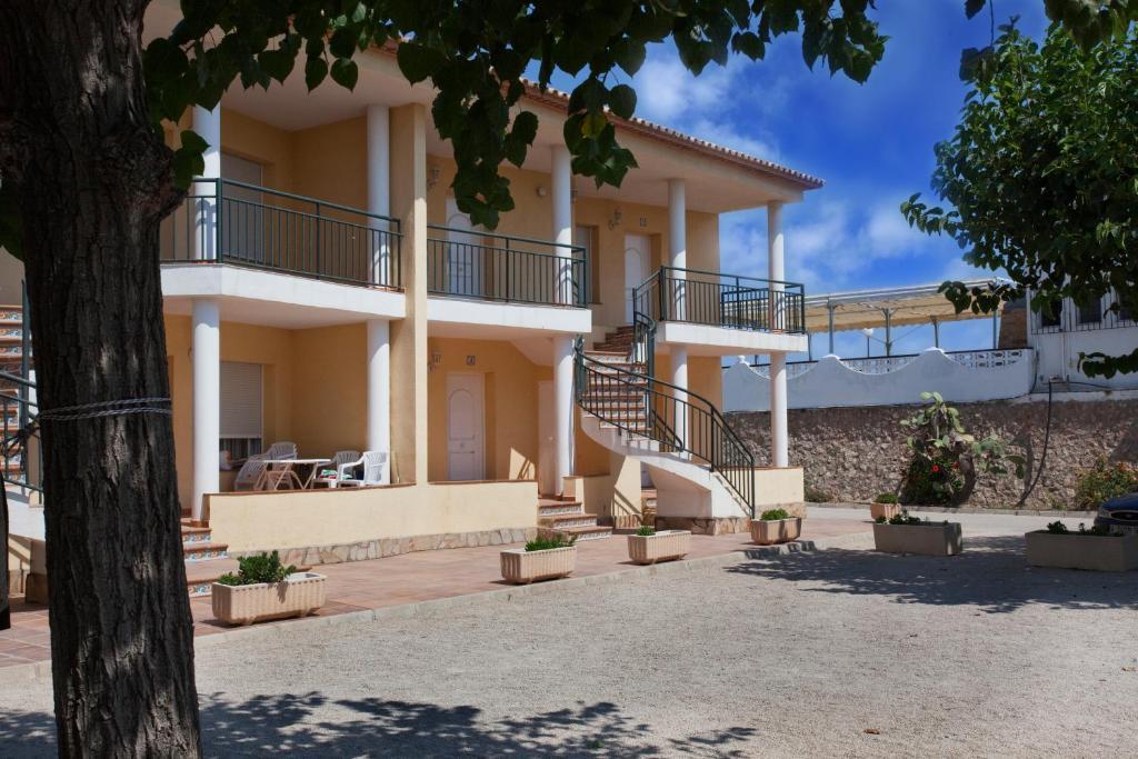 Camping ol oliva reserva tu hotel con viamichelin for Habitaciones familiares lisboa