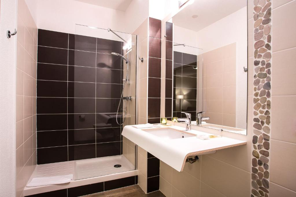 Kyriad chamb ry centre h tel et r sidence r servation - Chambre de commerce chambery ...