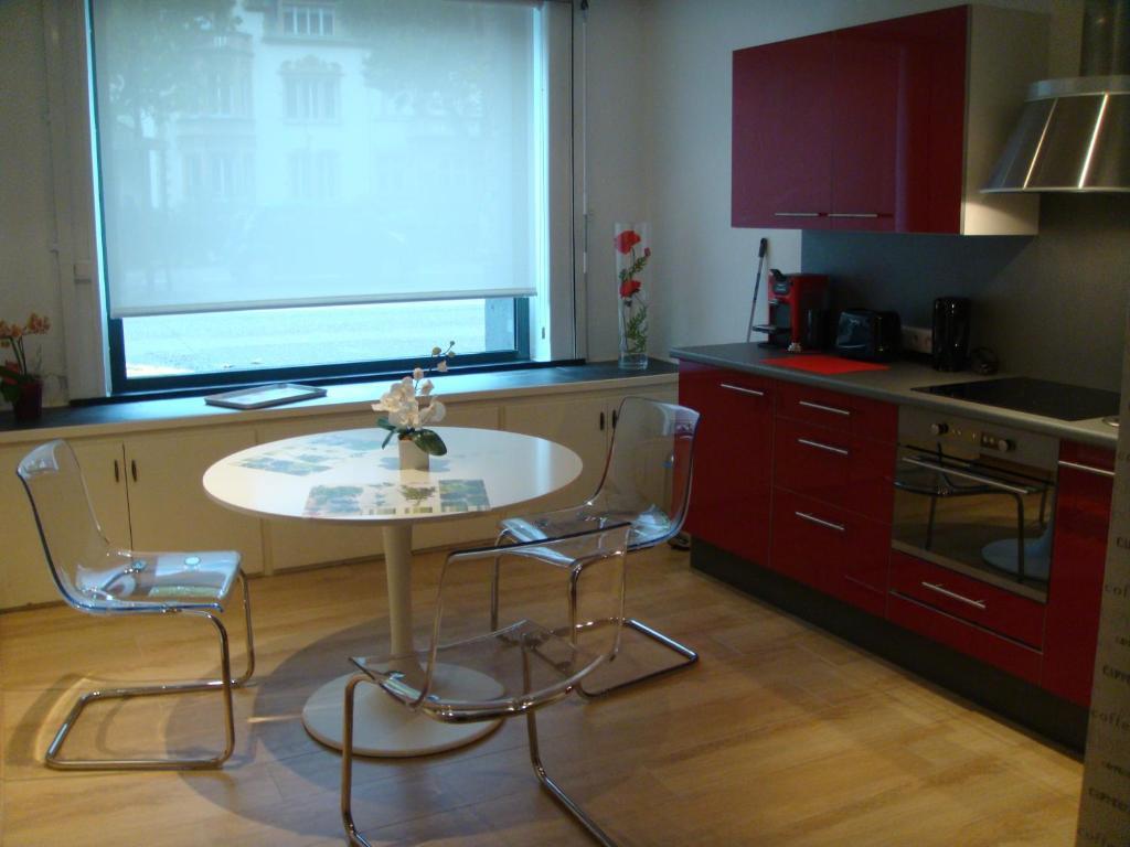 Appartement appart 39 weekly locations de vacances metz for Hotel appart metz