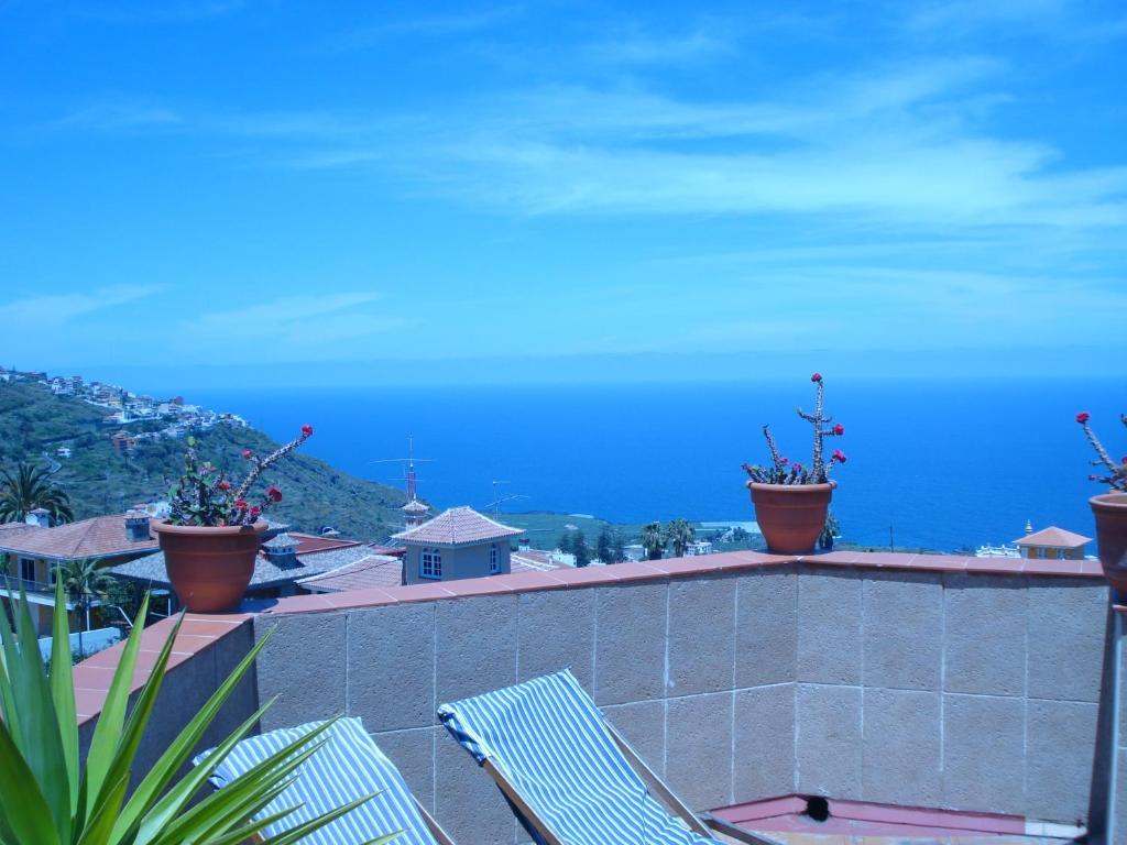 Apartamentos islas canarias icod de los vinos book your hotel with viamichelin - Apartamentos baratos en tenerife norte ...