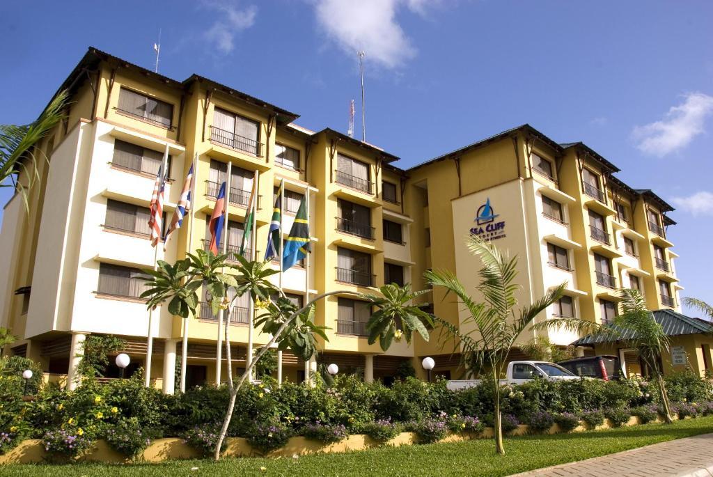 <div data-et-view=NAFQCDCcdXDPdFO:1</div Sea Cliff Court Hotel &amp; Luxury Apartments