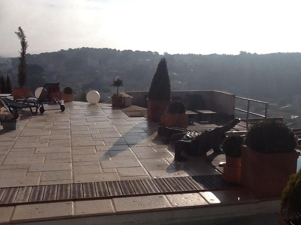 La villa blanche plan de cuques online booking viamichelin - Villa blanche marseille ...