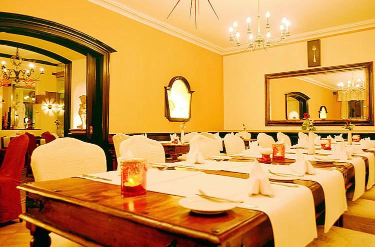 Hotel Uberwasserhof Munster Booking
