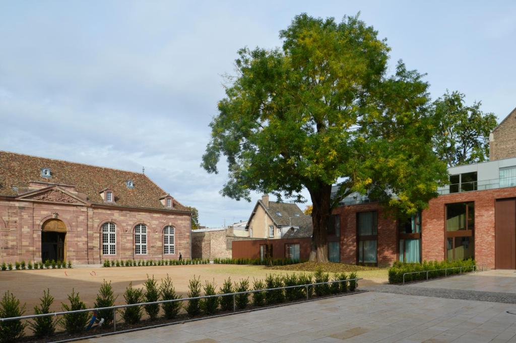 H tel les haras strasbourg book your hotel with viamichelin - Hotel le haras strasbourg ...