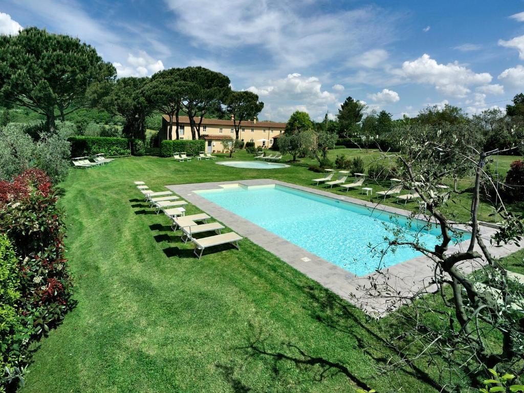 Borgo casalvento g tes cantagrillo toscane italie for Cantagrillo piscine