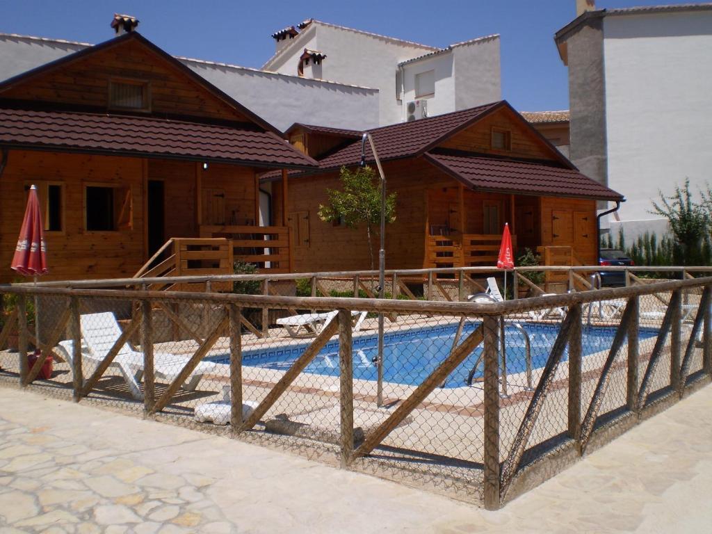 Caba as de madera el rinconcillo la iruela book your hotel with viamichelin - Cabanas de madera los pinos ...