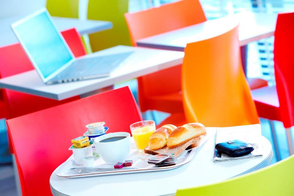 premiere classe dunkerque saint pol sur mer r servation gratuite sur viamichelin. Black Bedroom Furniture Sets. Home Design Ideas