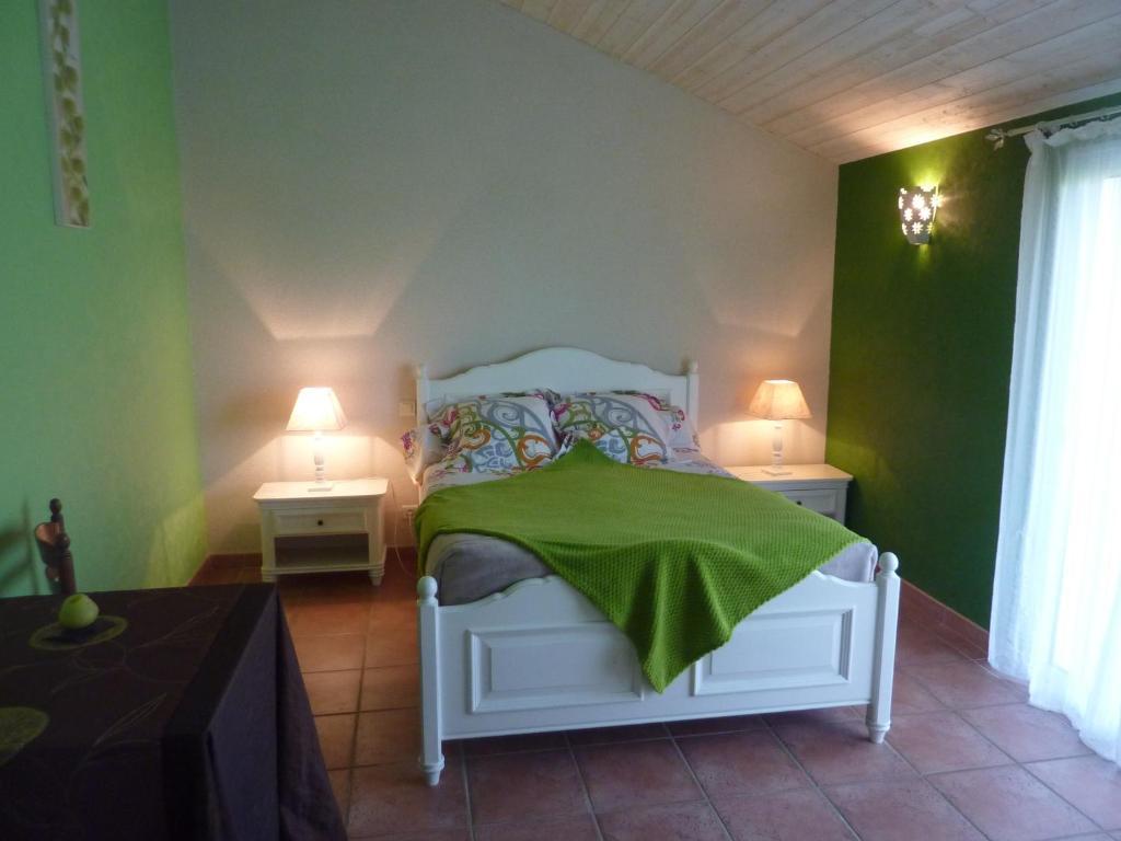 chambres d 39 h tes beffoux r servation gratuite sur viamichelin. Black Bedroom Furniture Sets. Home Design Ideas