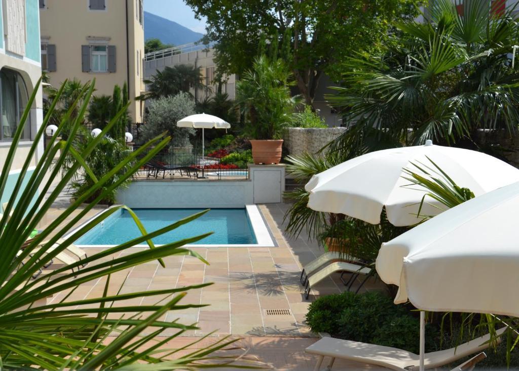 Hotel leon d 39 oro rovereto prenotazione on line viamichelin - Piscina rovereto ...
