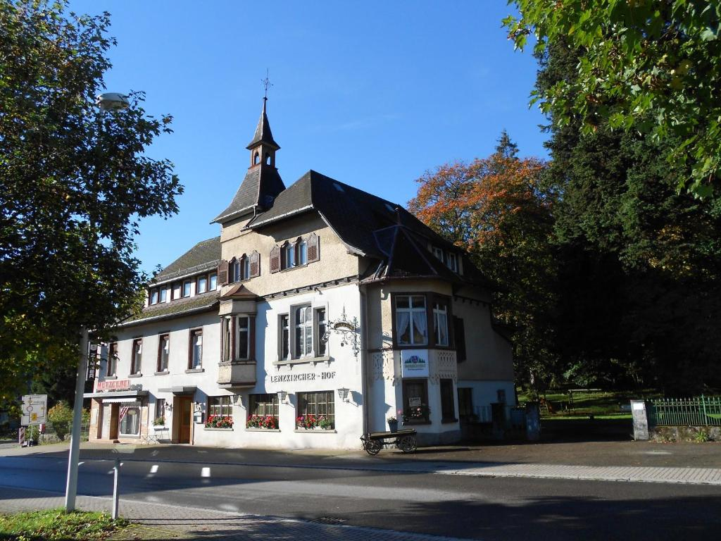 Lenzkircher hof r servation gratuite sur viamichelin for Reserver sur booking