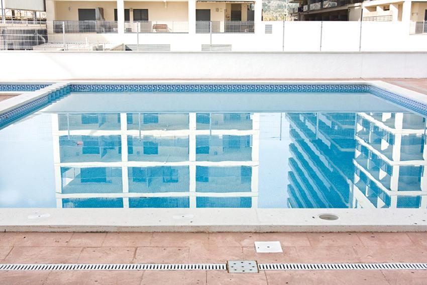 Apartamentos colomeras oropesa del mar espa a for Piscina la almudena