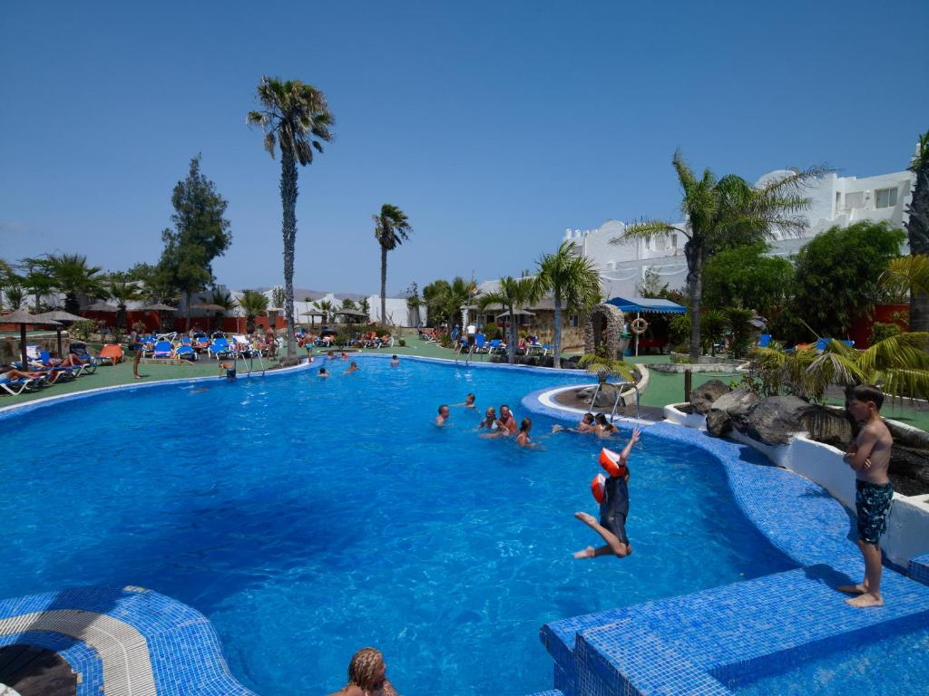 Labranda golden beach tuineje book your hotel with - Camel dive hotel ...