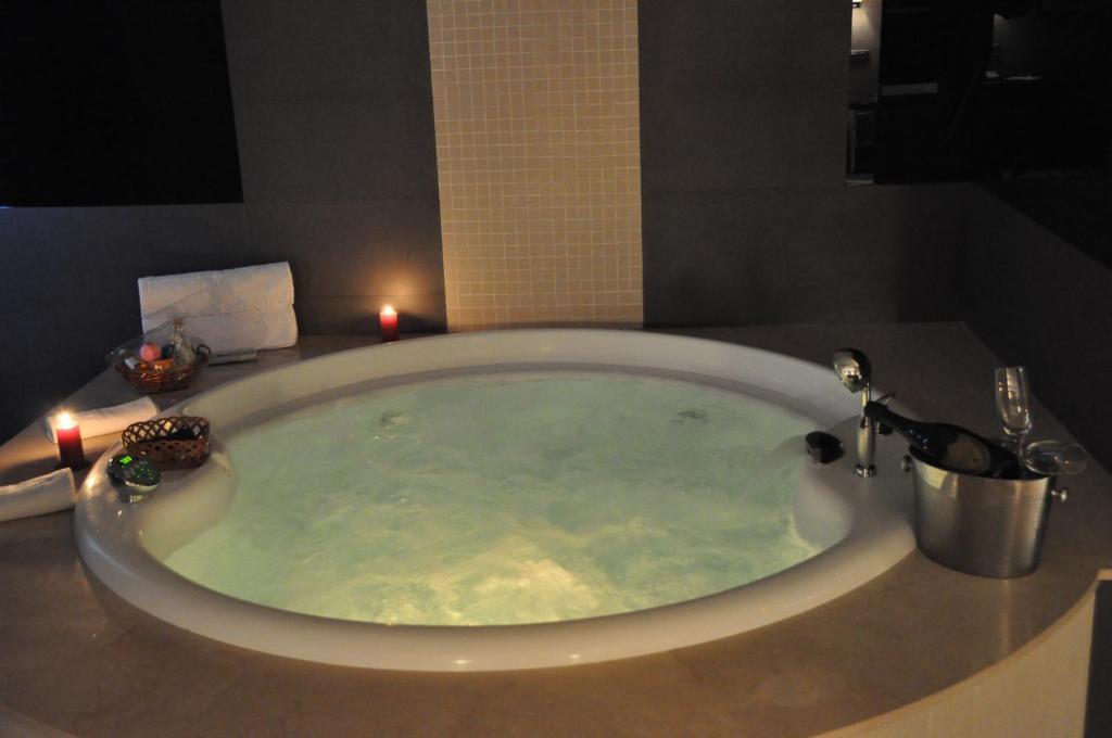 Hotel los pe ascales adults only r servation gratuite - Le petit salon madrid ...