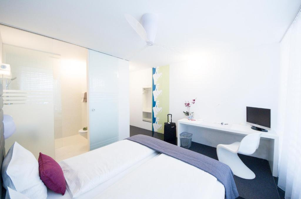 Sky design motel altst tten online booking viamichelin for Sky design hotel