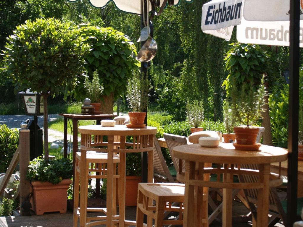 bed breakfast zum eichbaum bed breakfasts hamburg. Black Bedroom Furniture Sets. Home Design Ideas