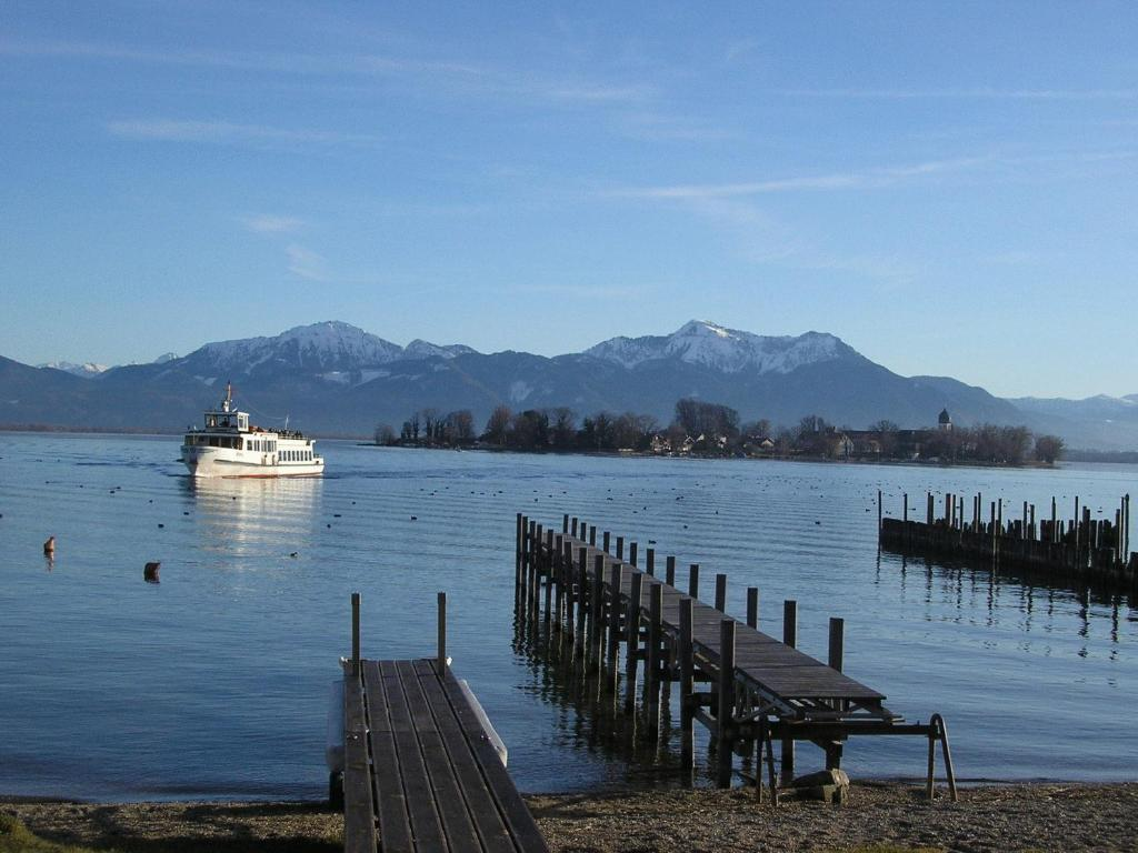Hotel Pension Lindenhof Chiemsee