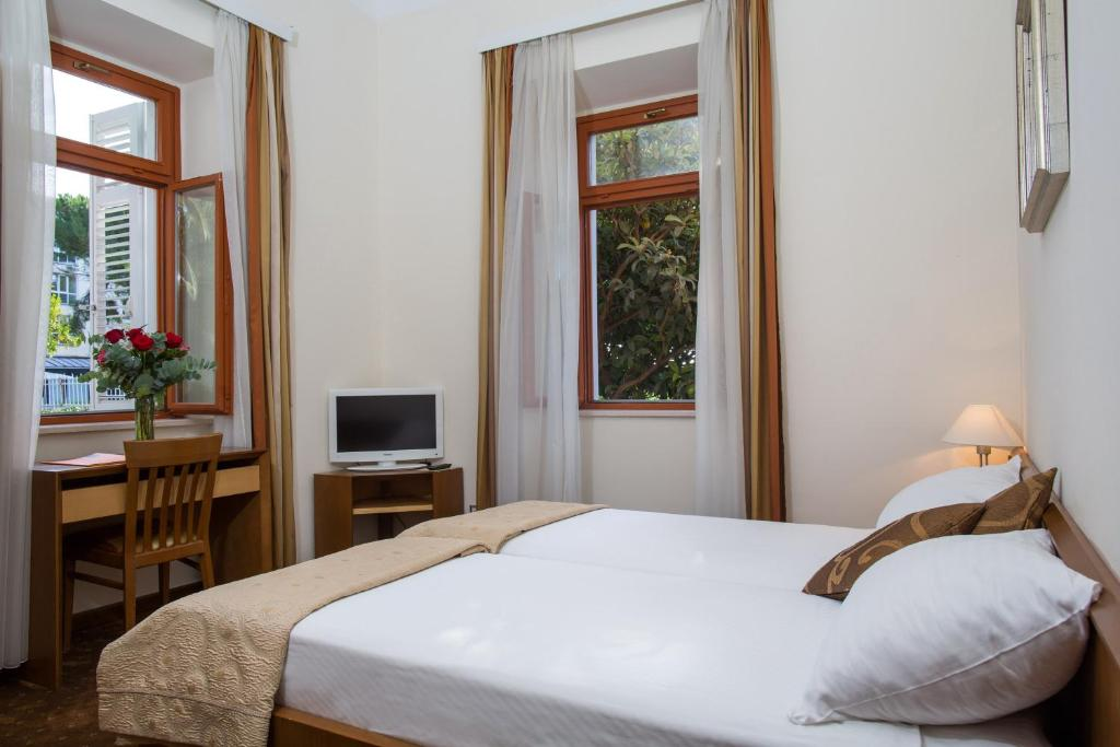 Hotel zagreb dubrovnik book your hotel with viamichelin for Hotels zagreb