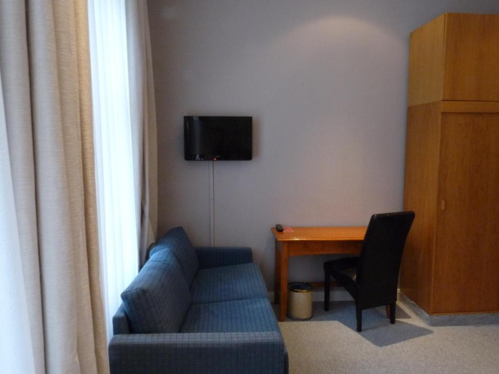 Hoyer Lift Hotel Rooms