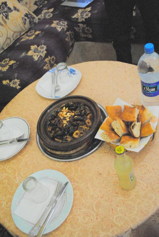 H tel restaurant argana camere b b tafraoute for Argana moroccan cuisine