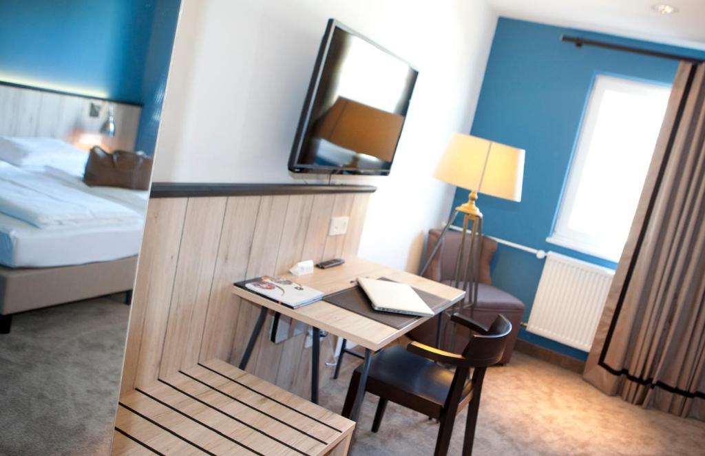 dock1 ratisbon online booking viamichelin. Black Bedroom Furniture Sets. Home Design Ideas