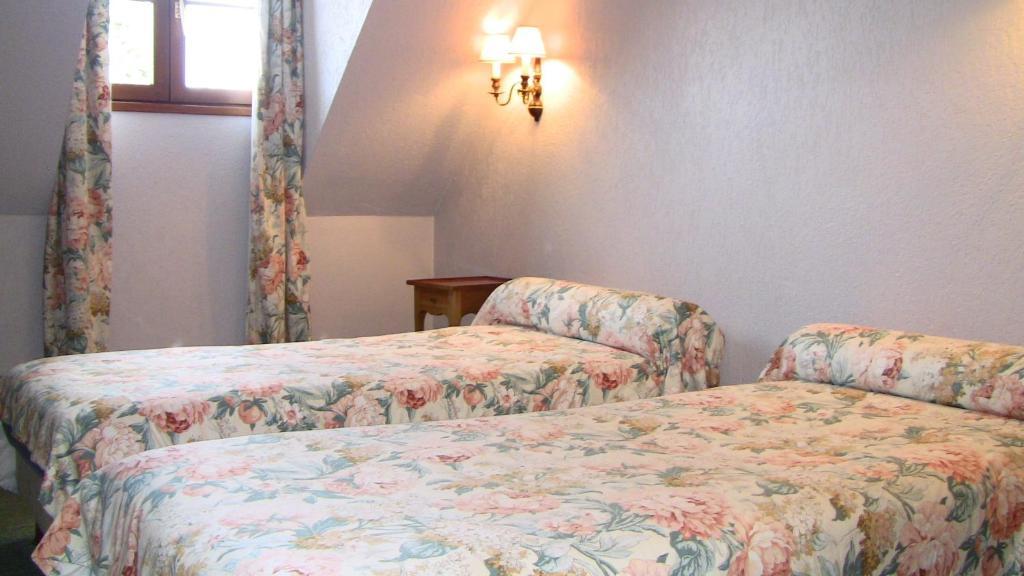 auberge des potiers jouy le potier. Black Bedroom Furniture Sets. Home Design Ideas