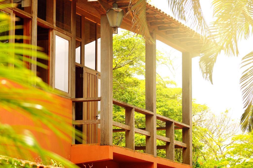 Uma varanda ou terraço em Hotel Fazenda Recanto Shangri-Lá