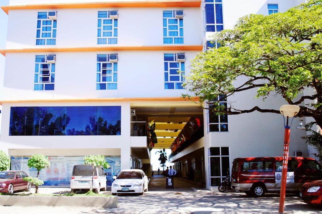Hotels Near Sg Ab